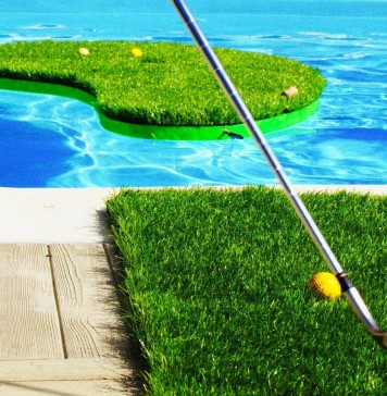 Swimming Golf